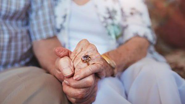 Самая необычная пара: они вступили в брак в возрасте 100 и 103 года